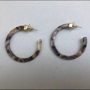 Tortoise shell hoop earrings